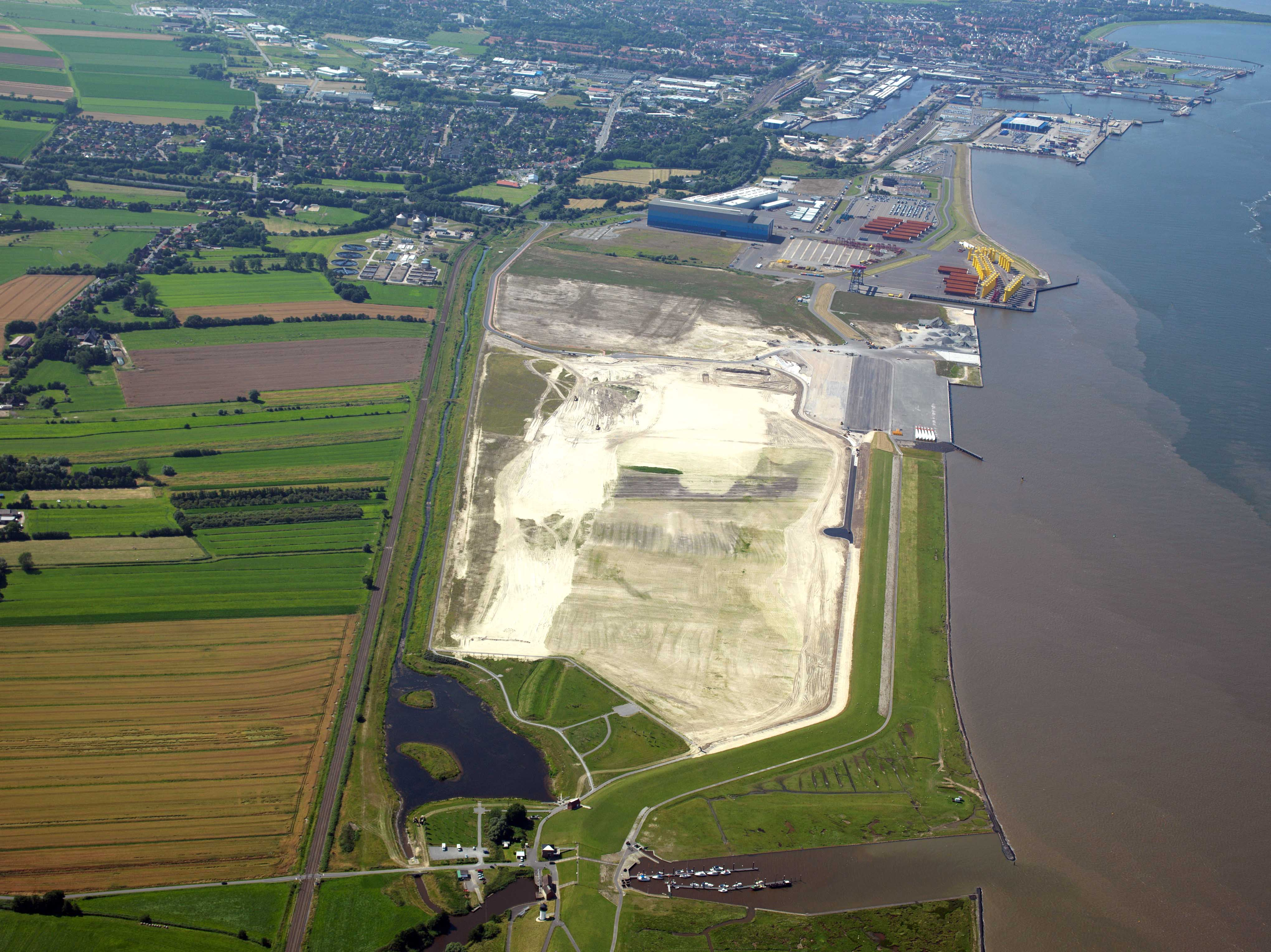 Port of Cuxhaven industrial zones, copyright: City of Cuxhaven